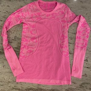Lululemon bright fluro pink swiftly ls top size 8